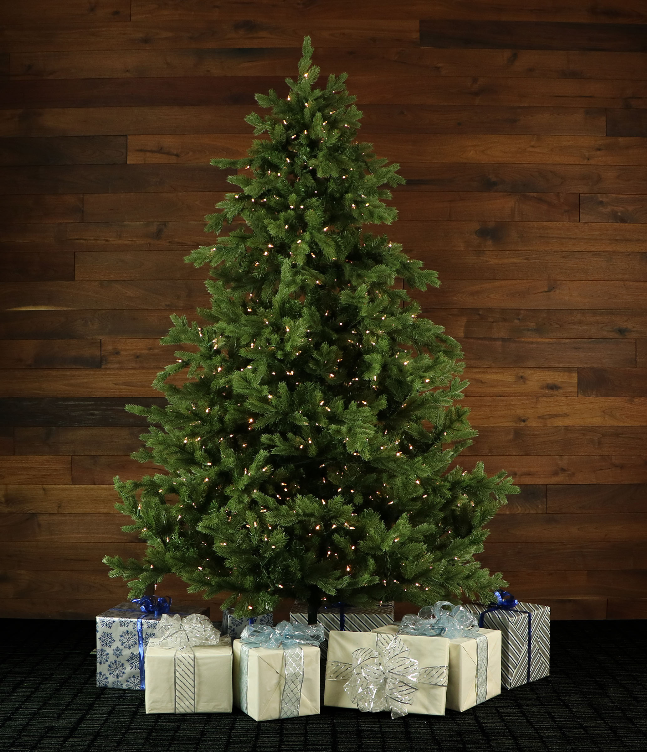 9 Ft Foxtail Pine Christmas Tree With Smart String