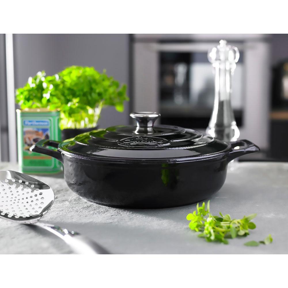 La cuisine pro saute qt cast iron casserole with for Four cuisine pro